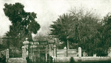 Entrance to the Garden of Ridvan in Baghdad.