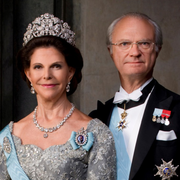 Pourquoi tant de haine? - Page 2 King-Carl-XVI-Gustaf-and-Queen-Silvia