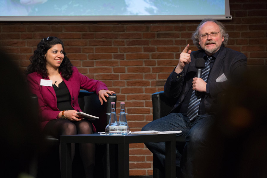 Dana Kelishadi, a freelance journalist, and Prof. Heiner Bielefeldt, former UN Special Rapporteur on Freedom of Religion or Belief and professor at Friedrich-Alexander University in Erlangen-Nurnberg, exchange thoughts in a panel discussion.