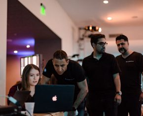 payam-zamani-backstage-with-crew