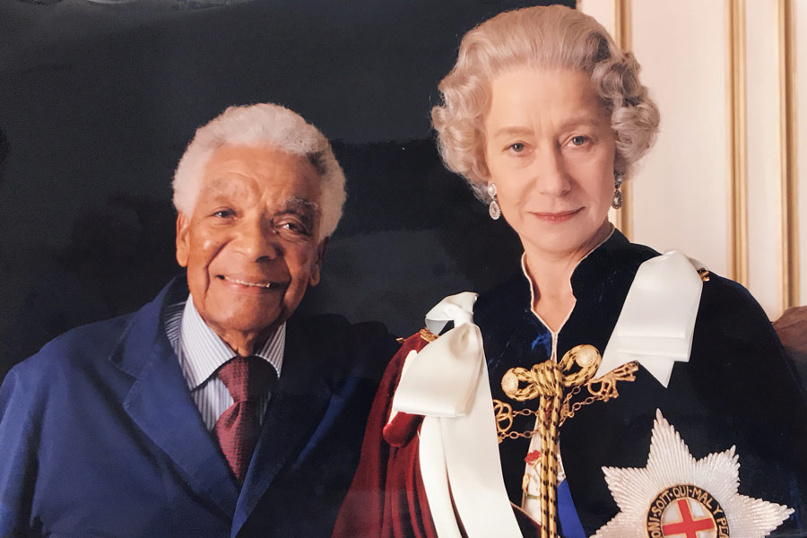 Earl Cameron with Helen Mirren in The Queen (2006)