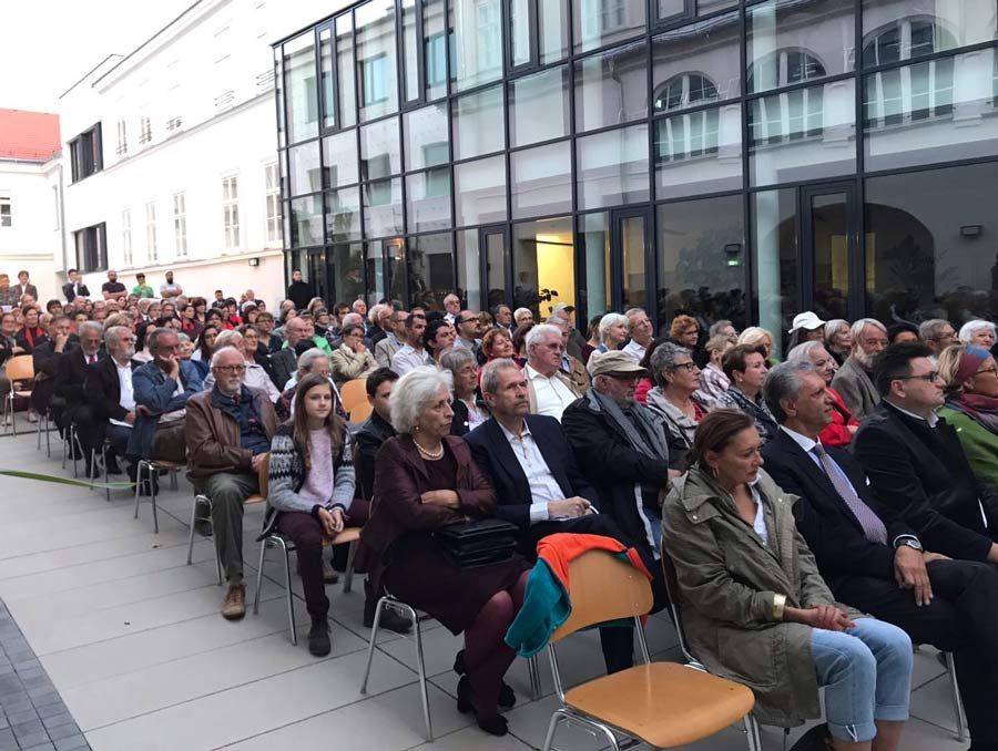 The celebration last week in Bruck an der Leitha of the bicentenary of Baha'u'llah's birth attracted over 200 guests from the town and surrounding area.