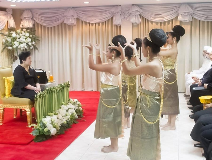 In Thailand, the Royal Family was represented by Princess Soamsawali at a bicentenary celebration held at the Bahá'í Centre in Bangkok. The evening's programme featured music, prayers, and traditional Thai dances. The gathering was attended by nearly 250 participants and was one of many commemorations held in the country today. (from bicentenary.bahai.org)