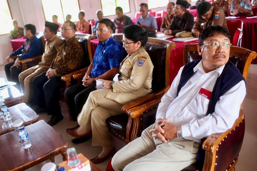 Government officials attended the April seminar.