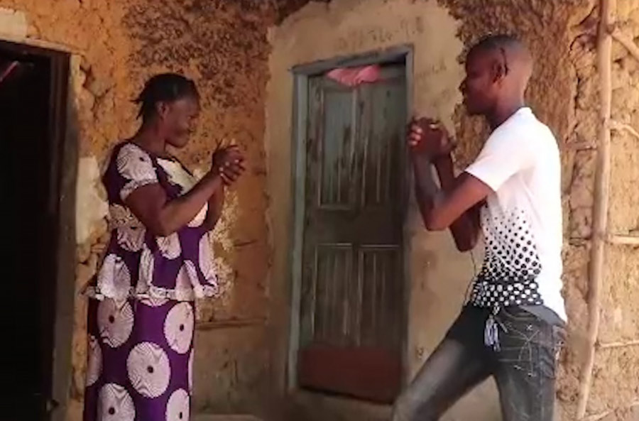 Youth in Sierra Leone have created a film that helps educate their community about preventing the spread of the coronavirus disease (COVID-19).