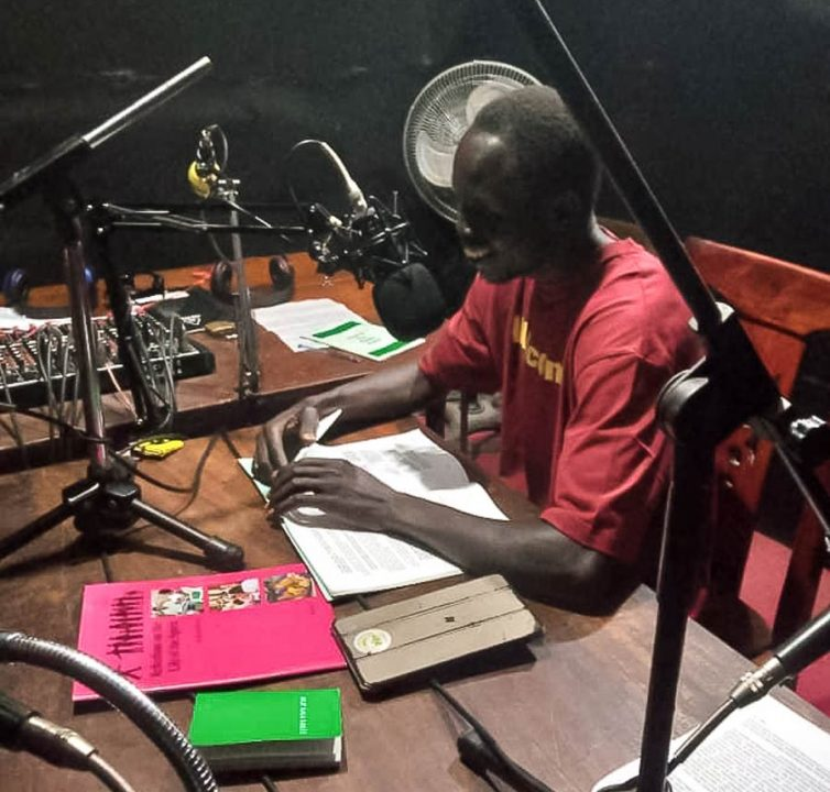 Baha'is in Kamuli, Uganda, have been broadcasting daily programs on the importance of a devotional life.